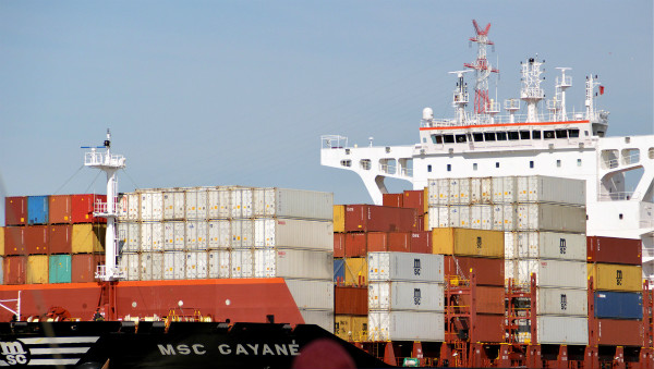 container-ship-3429051_1920_meitu_4.jpg